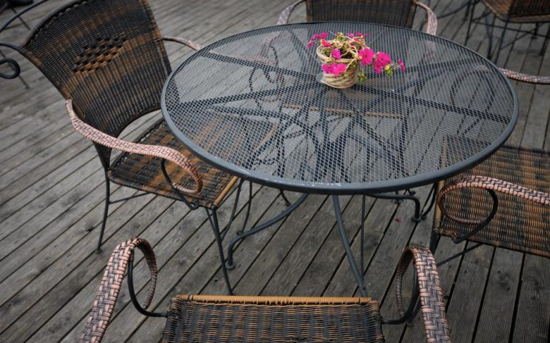 Advantages of picking patio furniture for sale