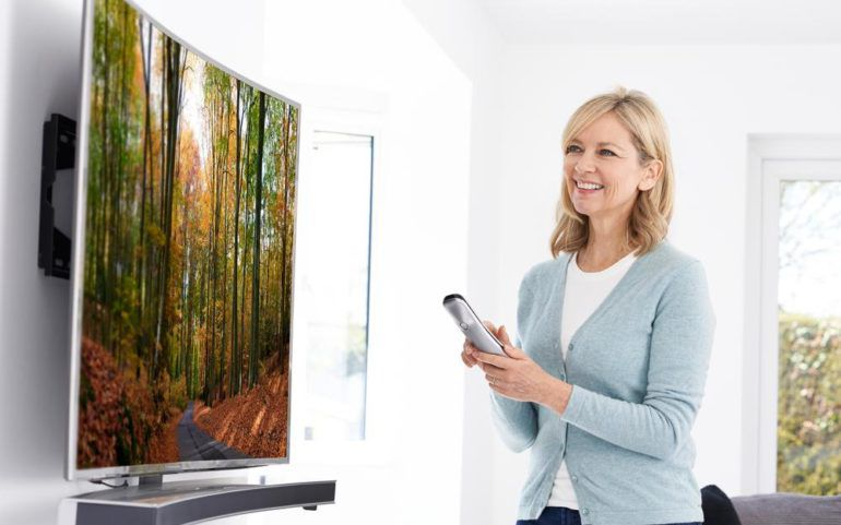 Different types of flat screen television sets available