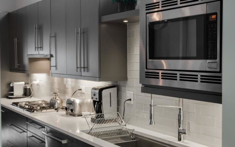 Essential Features To Consider Before Buying A Wall Oven