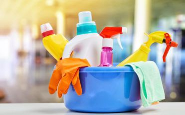Make the best home cleaning products with natural ingredients