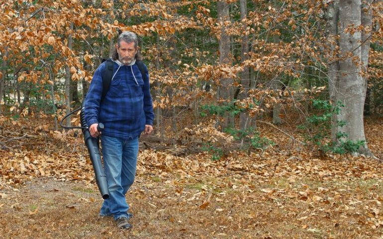 Selecting the best gas leaf blower