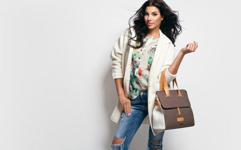 Tips to purchase designer handbags at discounted rates