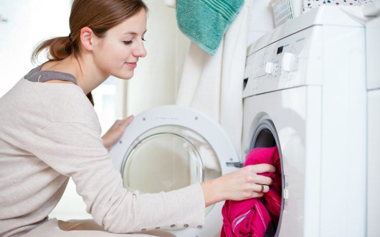 Top stackable washers and dryers at Lowe's under $1000