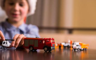 5 types of toys to boost creativity in your boys