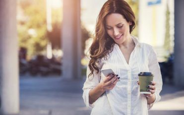 6 benefits of owning a prepaid cell phone