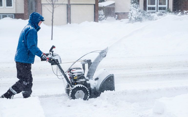 7 must-have features in a snowblower
