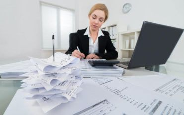 How to choose the right business checking account