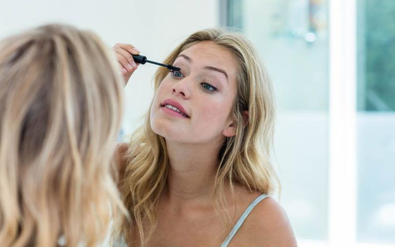 What to look for while buying a mascara