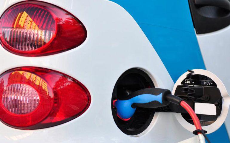 10 popular picks for hybrid cars