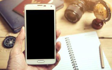 3 popular phones to buy under $300