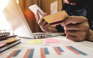 4 essential features to look for in an eCommerce platform