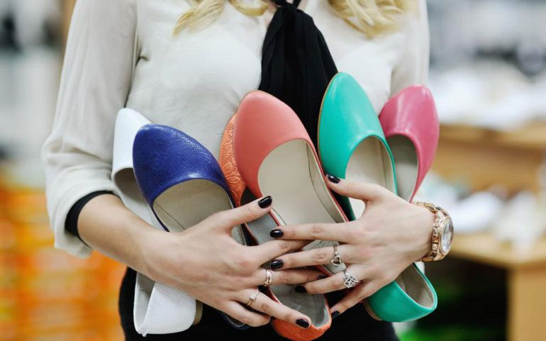 4 tips for buying women's discount shoes