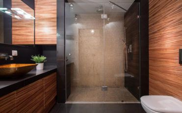 5 significant benefits of walk-in showers for seniors