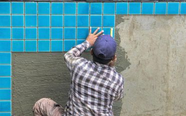 5 tips to hire the best pool contractors