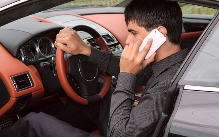 Buying and maintaining used luxury car – Things you should know about