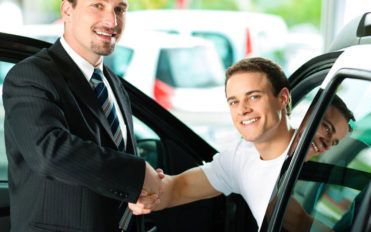 How to set up a used car dealership