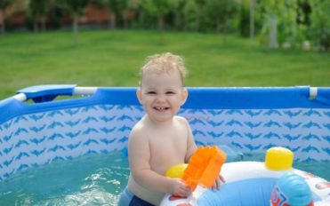 Maintaining your fiberglass swimming pool the right way