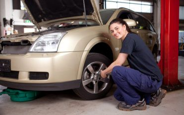 Popular Automobile Service Centers Offering Oil Change Coupons