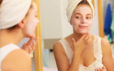 Popular moisturizers to rejuvenate dry skin