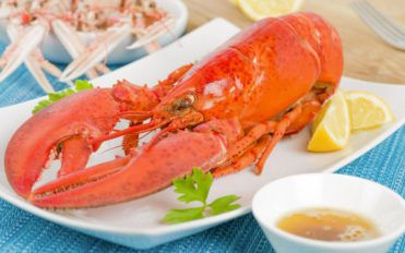Quick and easy sides to serve with boiled lobsters