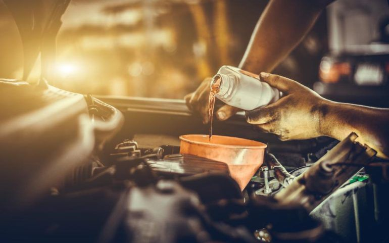 Synthetic Oil Change and How it Helps Improve the Car's Engine