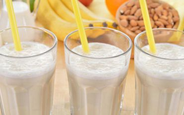 Tickle your taste buds with these almond milk smoothies!