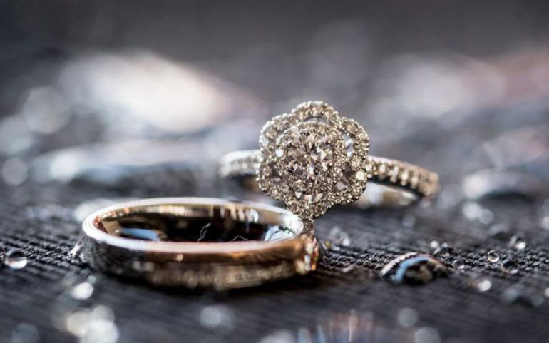 Tips to get custom engagement rings