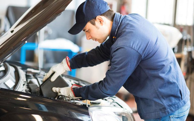 Top five mistakes to be avoided while changing your engine oil