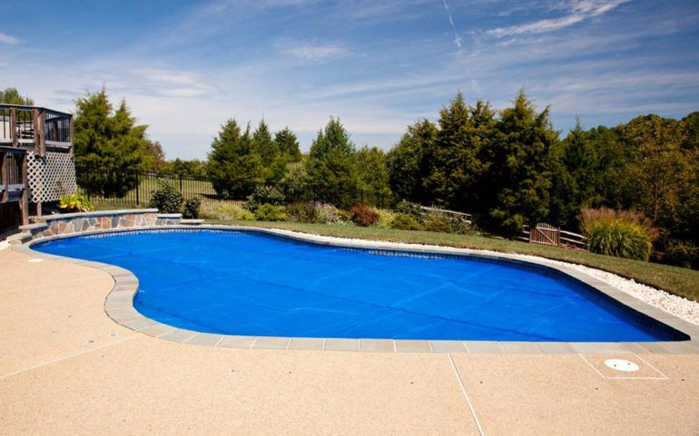 Top five tips for maintaining swimming pool solar covers