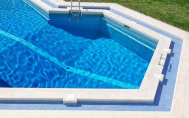 Types of above ground pool liners