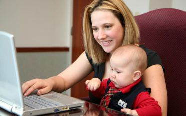 Why home businesses are good idea for moms