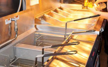 10 restaurant equipment that your professional kitchen needs