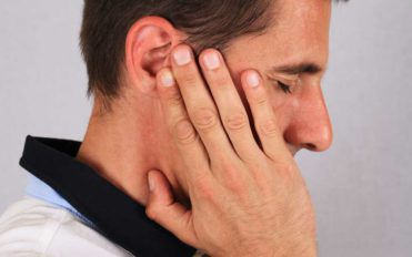 3 Ways to Stop Ringing in the Ears