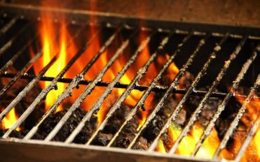 3 effective ways to clean stainless steel barbecue grills