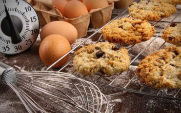 3 healthy twists to the classic oatmeal raisin cookies recipe