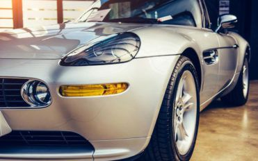 4 Factors to consider while buying luxury sport sedans