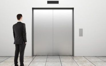 4 crucial factors to choosing the right home elevator