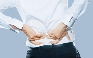 4 daily habits to combat back pain