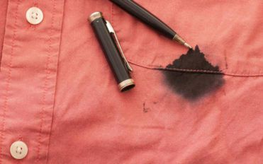 4 easy and effective ways to remove ink stains
