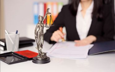 4 tips to follow when choosing a medical malpractice lawyer