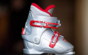 5 comfortable downhill ski boots for you