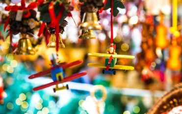 5 commercial Christmas decoration ideas