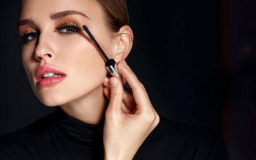 5 essential tips to take care of your cosmetics