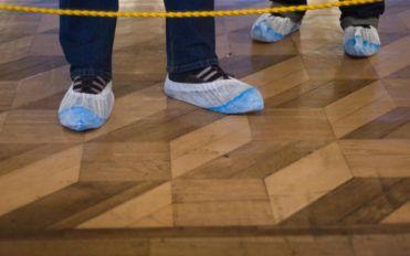 5 great benefits of slip resistant overshoes