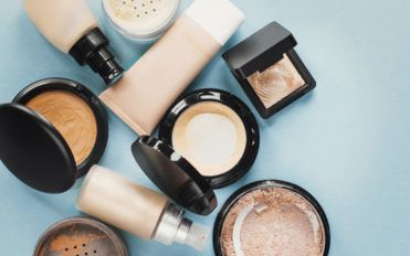 5 popular online cosmetic stores you need to bookmark right away