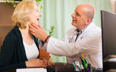 5 tell-tale signs of an underlying thyroid disorder