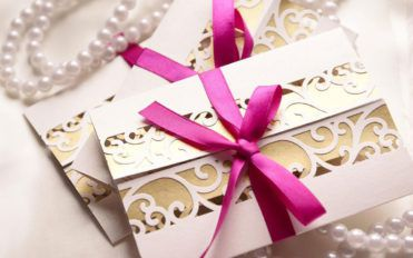 5 thrifty ways to save money on your wedding invite