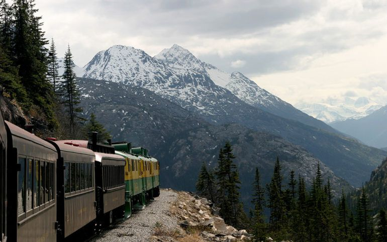 6 reasons why you should travel to the Canadian Rockies by train