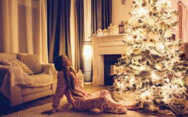 6 ways to adorn your home with decorative lights this Christmas