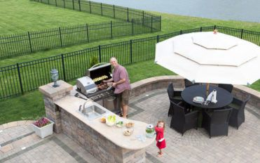 7 points to consider when designing an outdoor kitchen island